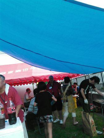 テントやターフで囲います